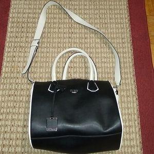 Womens hand/shoulder bag